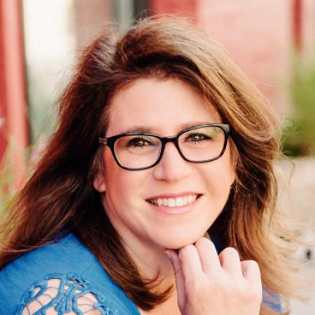 Profile picture of Sandy McKenzie